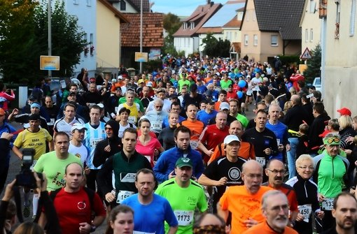 Läufer beim Start in Gronau. Foto: Werner Kuhnle